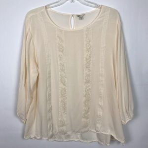 CATO cream top with lace accents 376
